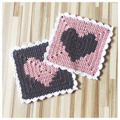Crochet design and inspiration from Sweden Diy Crochet Granny Square, Crochet Squares, Crochet Shoes, Knit Or Crochet, Crochet Designs, Crochet Patterns, Crochet Dishcloths, Crochet Kitchen, Square Patterns
