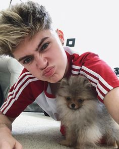 "258.9 mil Me gusta, 4,731 comentarios - HRVY (@hrvy) en Instagram: ""She has the most sarcastic smile ever @angelpom"""