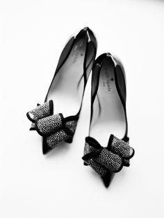 black bow wedding shoes  ~  we ❤ this! moncheribridals.com