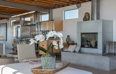Modern pad showcases loft style living in Manhattan Beach