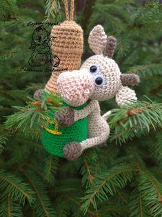 Christmas Wreaths, Christmas Ornaments, Amigurumi Toys, Easy Crochet Patterns, Xmas Decorations, Crochet Toys, Free Pattern, Knitting, Holiday Decor