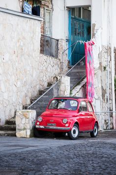 Little Italy, Fiat 500 in Naples