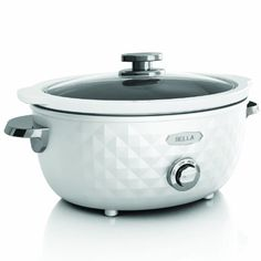 Bella Housewares | Diamonds Collection 6QT Slow Cooker // A cute crock-pot worthy of staying out for guests to dig in!