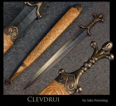 Hand-made Swords - Clevdrui - Celtic Anthropomorphic hilted short Sword Swordmaker: Jake Powning Blade - / 16 Hilt - / 5 Weight of sword - 496 g / Overall Length - / Scabbard - / Celtic Sword, Viking Sword, Swords And Daggers, Knives And Swords, Iron Age, Tactical Swords, Sword Design, Art Of Manliness, Early Middle Ages