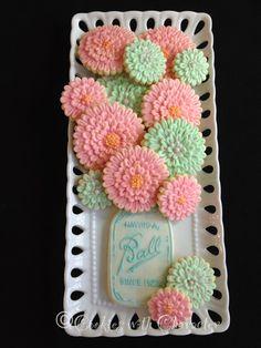 Cookies with Character: Zinnia Flower Cookies - Daily Good Pin Summer Cookies, Fancy Cookies, Valentine Cookies, Cute Cookies, Easter Cookies, Birthday Cookies, Heart Cookies, Christmas Cookies, 90th Birthday