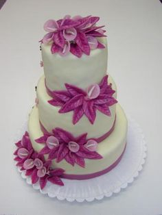 Výsledek obrázku pro třípatrový dort