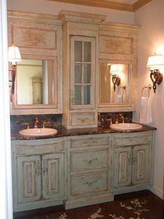 Great bathroom ideal for our main bath. Paint the bottom cabinets, replace the counter top, build a cabinet above our two sinks on the wall and get rid of the two oval mirrows...