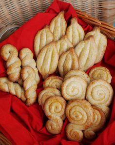 It All Tastes Greek To Me: Greek Easter Cookies! Koulourakia