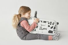 Children love their pets and we all know pets offer a special kind of companionship. Meet Bontoy Traveller, a ride-on rolling luggage suitcase for kids. Keep your children entertained when travelling. The animal printing on this luggage is so cute!!! Your little one will love the ride!