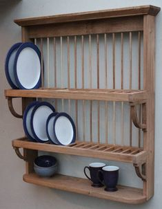 Ideas Wood Kitchen Cupboards Plate Racks For 2019 Wooden Plate Rack, Plate Rack Wall, Wooden Rack, Wooden Plates, Plates On Wall, Wall Mounted Dish Rack, Diy Plate Rack, Plate Shelves, Kitchen Rack