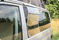 AIRSCREEN® for the left sliding window of VW California & Mercedes Marco Polo For fresh air even during rain, an invisible and elegant rain water protection for . Vw T5, Volkswagen Phaeton, Vw Passat, Volkswagen Cc 2012, Volkswagen Golf R, T6 California, Nissan, City Car, Camping