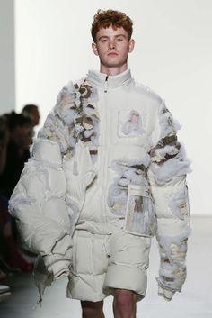Parsons MFA Spring-Summer Womenswear - Fashion Week, Page 9 ( United Kingdom - look Fashion Week, Fashion Art, High Fashion, Fashion Show, Fashion Outfits, Womens Fashion, Fashion Design, Style Couture, Couture Fashion