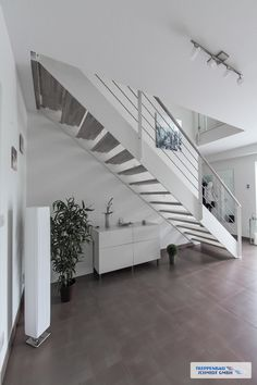 The post appeared first on Lampe ideen. Stairway Railing Ideas, Staircase Landing, Floating Staircase, Staircase Railings, Staircase Design, Spiral Staircase, Glass Handrail, Frameless Glass Balustrade, Schmidt