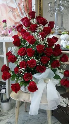 Things to Know about Deals on Valentine's Day Flowers Online Beautiful Flowers Wallpapers, Beautiful Rose Flowers, Happy Flowers, Pretty Flowers, Flowers Gif, Red Rose Arrangements, Beautiful Flower Arrangements, Rose Flower Wallpaper, Happy Birthday Flower