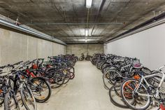 FINN – NYDALEN: Meget attraktiv 4-roms front-/hjørneleilighet - Egen hage på 125 m2 - Garasjeplass - Ny i 2013