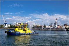 Porto de Leixões / Puerto de Leixões / Leixões Porto [2014 - Matosinhos - Portugal] #fotografia #fotografias #photography #foto #fotos #photo #photos #local #locais #locals #cidade #cidades #ciudad #ciudades #city #cities #europa #europe #boat #boats #barco #barcos @Visit Portugal @ePortugal @WeBook Porto @OPORTO COOL @Oporto Lobers