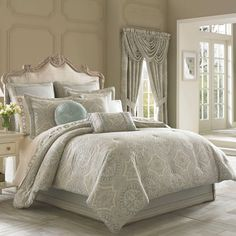 Queen New York™ Colette Comforter Set – My Info J. Queen New York™ Colette Comforter Set J. Queen New York™ Colette Comforter Set Full Comforter Sets, Bedding Sets, Blue Comforter, Home Fashion, Cama Vintage, New York Homes, Home Living, Bedding Collections, Luxury Bedding