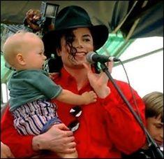 O trabalho / obras humanitárias de Michael Jackson.