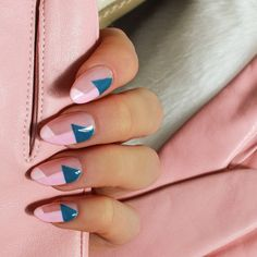 Don't Get Tangled Up, Choose Simple And Generous Short Gradient Nails In Spring And Summer 2020 - Keep creating beauty and warm home, Find more happiness in daily life Aycrlic Nails, Gradient Nails, Nail Manicure, Hair And Nails, Fingernails Painted, Sparkle Nails, Galaxy Nails, Minimalist Nails, Geometric Nail