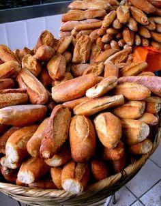"""Traditional Mexican bread from Jalisco, commonly used for """"tortas ahogadas"""".  Pan birote, especial para hacer deliciosas tortas ahogadas."""