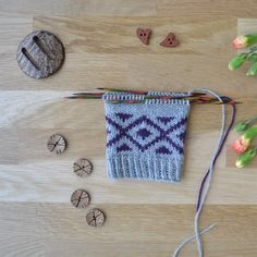 Crochet Bikini, Diy And Crafts, Crochet Necklace, Knitting Ideas, Diy Ideas, Socks, Knits, Sock, Craft Ideas