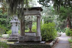 Visit the Deep South region of the United States with this travel itinerary for a girlfriends getaway or mother-daughter vacation. Visit Savannah, Savannah Georgia, Savannah Chat, Bonaventure Cemetery, Girlfriends Getaway, North America, Gazebo, United States, Tours