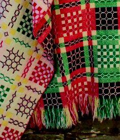 Welsh blanket Welsh Blanket, Wool Blanket, Loom Weaving, Tapestry Weaving, Cymru, Weaving Patterns, Dobby, Pattern Fashion, Textile Art