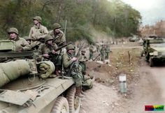 22 MOH - Most of which were in Vietnam Any fan of World War II history is familiar with the famed Airborne Division. The exploits of the division in Invasion Of Kuwait, Kdf Wagen, Ww2 Photos, Ww2 Pictures, Color Pictures, 101st Airborne Division, Killed In Action, American War, Panzer