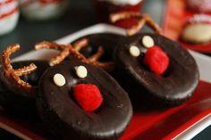 Chocolate Donut Reindeer #reindeer #donut