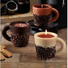Cool idea to DIY Old Coffee Cups into Candles #weddingcandlesdiy