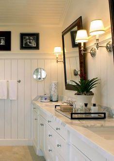 White bathroom, beadboard new house ванная, ванная комната, дача. Wainscoting Bathroom, Hall Bathroom, Upstairs Bathrooms, Basement Bathroom, Bead Board Bathroom, Wainscoting Ideas, Vanity Bathroom, Brown Bathroom, Bathroom Wallpaper