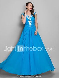 TS Couture® Prom / Formal Evening / Military Ball Dress - Elegant Plus Size / Petite A-line / Princess V-neck Floor-length Chiffon withAppliques / 2017 - $89.99