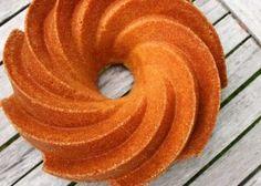 Schoko-Nusskipferl - Backen mit Christina ... Doughnut, Sweets, Baking, Cake, Desserts, Food, Cool Recipes, New Recipes, Baking Tips