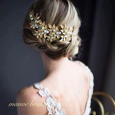 Gold boho hair vine, laurel leaves bridal large hair comb,we Boho Hairstyles, Wedding Hairstyles, Bridal Hairstyle, Grecian Wedding, Wedding Gold, Grecian Goddess, Hair Wreaths, Hair Comb Wedding, Pearl Hair