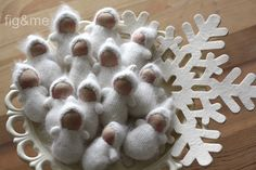 Baby Snowflakes by Fig & Me, via Flickr (no pattern, but so darn cute!)