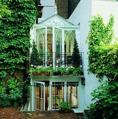 Two Story Conservatory, London, England; GB