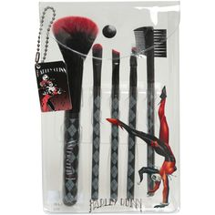 DC Comics Harley Quinn Cosmetic Brush Set | Hot Topic ($15) ❤ liked on Polyvore featuring beauty products, makeup, makeup tools and makeup brushes