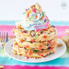 There's no better way to celebrate a special day than with these Gluten Free Rainbow Cookie Waffles. Easy to make and fun to eat! Sprinkles, cookies, and rainbow whipped cream, life doesn't get more fun! Best Breakfast, Breakfast Souffle, Gluten Free Waffles, Gluten Free Recipes For Breakfast, Gluten Free Sandwiches, Belgium Waffles, Vegetarian Cookies, Gluten Free Puff Pastry