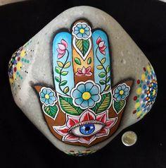 Alpha Phi Crafts, Rock Painting Designs, Hand Painted Rocks, Hamsa Hand, Rock Art, Mosaic, Stone, Fun, Rock Painting Patterns