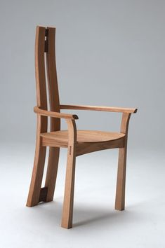 'Hay' sculptured chair by Philip Koomen Funiture, designers and craftsmen in wood Dinning Chairs, Wooden Dining Tables, Living Room Chairs, Wooden Chairs, Zen Furniture, Furniture Making, Furniture Design, Small Office Chair, Room Partition Designs