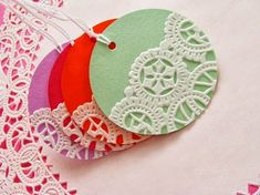 Home Made Modern: Craft of the Week: Doily Gift Tags