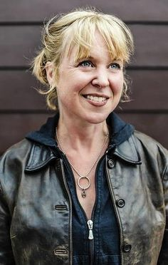 Ex Throwing Muses alt-rock icon Kristin Hersh says her multiple personality wrote her music Cocteau Twins, Women Of Rock, Guitar Girl, Demi Moore, Her Music, Rock Stars, Goddesses, Rock And Roll, Musicians