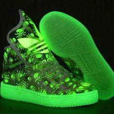 Glow skull tennis shoes