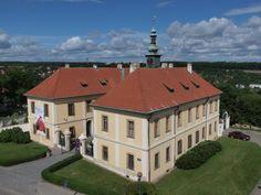 zámek kladno Czech Republic, Mansions, House Styles, Home Decor, Decoration Home, Manor Houses, Room Decor, Villas, Mansion