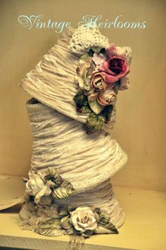 Love this shabby Chic lampshade by Gillian Shaw on ETSY Rose Shabby Chic, Shabby Chic Lamp Shades, Shabby Chic Decor, Toile Design, Kitchen Curtains And Valances, Toile Photo, Shaby Chic, Gris Rose, Rico Design