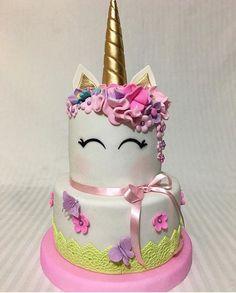 Imagen relacionada Unicorn Birthday Parties, Unicorn Party, Girly Birthday Cakes, Pretty Cakes, Cute Cakes, Unicorn Foods, Unicorn Cakes, Little Pony Cake, Girly Cakes