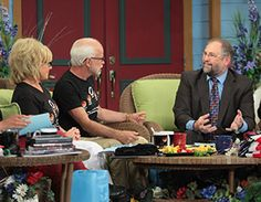 Pastor Jim and Lori welcome Pastor Mark Biltz as they discuss God's Calendar for Day 4