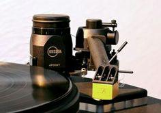 High end audio audiophile turntable Kuzma 4Point tonearm with Jan Allaerts cartridge