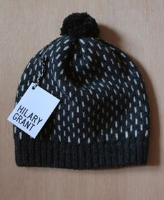 Hilary Grant knitwear: bring on winter! Wooly Hats, Knitted Hats, Knitting Accessories, Bag Accessories, How To Purl Knit, Crochet Yarn, Crochet Projects, Lana, Knitwear