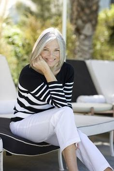 Love her grey hair and style...if I ever get completely grey hair, I like this look